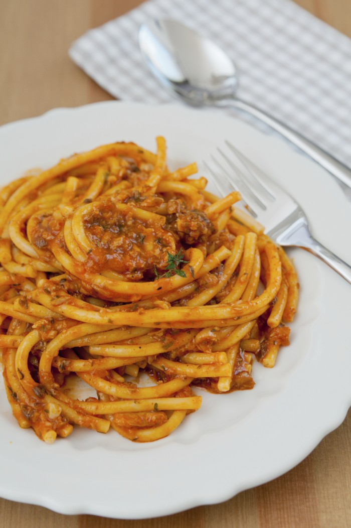 Bucatini or spaghetti with meat sauce