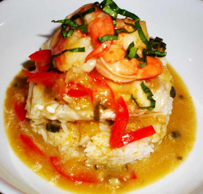 Halibut and Shrimp in Coconut and Pear Curry Sauce 019